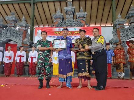 Deklarasi ODF ( Open Defecation free) desa Sanggalangit